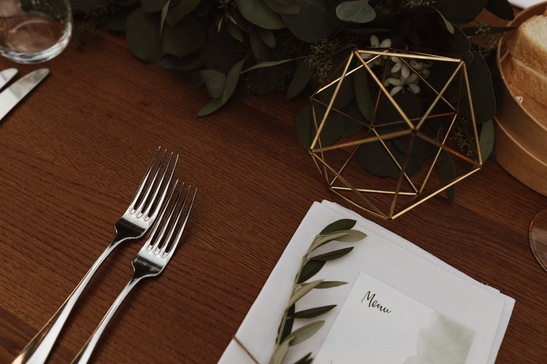 Majerija Vipava Valley vineyard wedding table decor detail