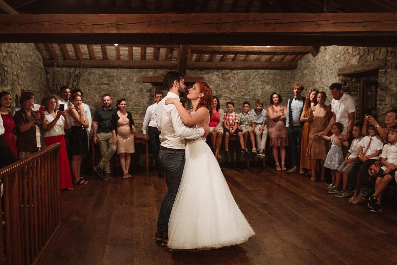 Majerija Slovenia wedding reception couple first dance